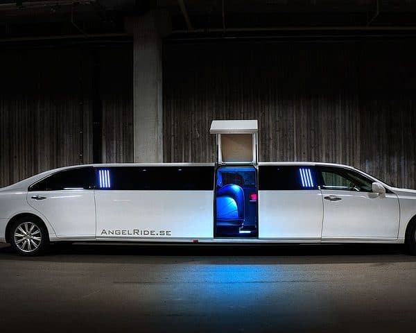 10 Questions to Ask a Limo Company
